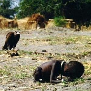 Kevin Carter's famous Pulitzer Prize winning photo, 1993